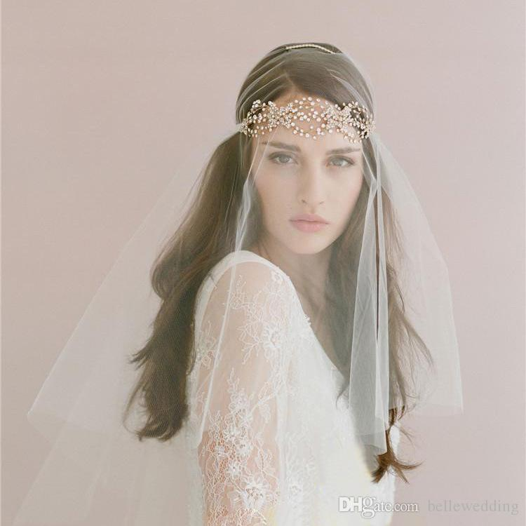 Veli da sposa vintage con pezzi di capelli One Tier Lunghezza gomito Strass pettine Twigs Miele da sposa copricapo Veli nuziali # V010