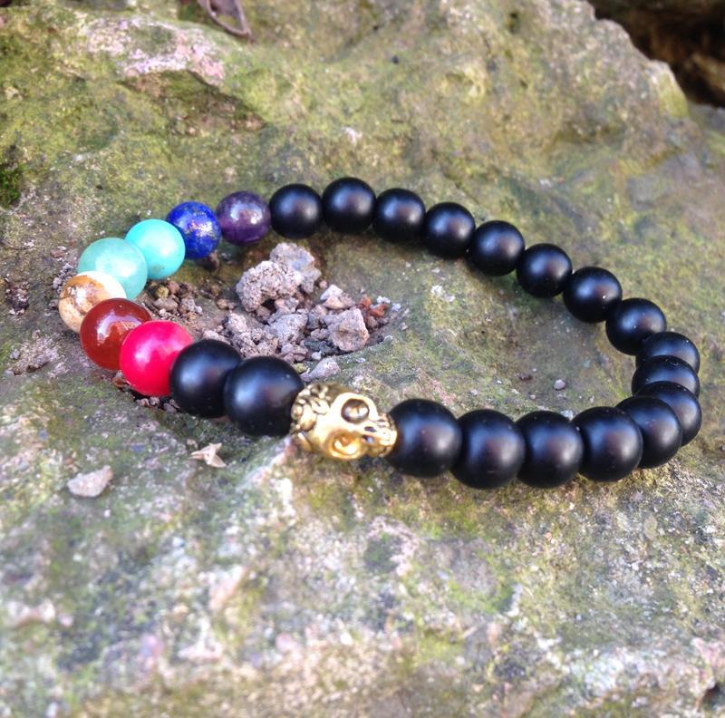 SN0426 7 Chakra Schädel Armband Yoga Schmuck Matte Black Onyx Armband für Männer Gold Schädel Charms Armband