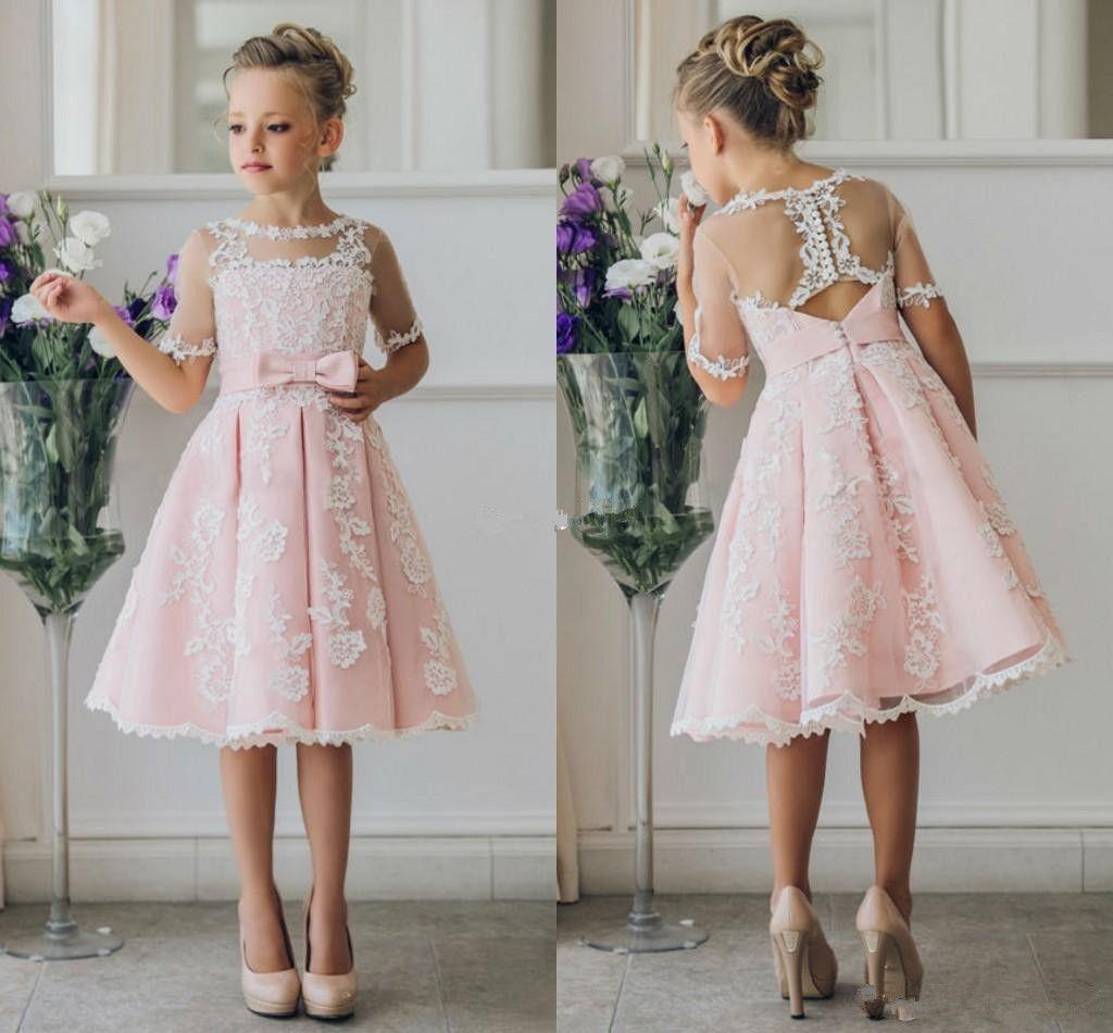 Ucuz Kısa Çiçek Kız Elbise için Bohemia Sahil Gelinlik Diz Boyu Dantel A-Line Genç Gelinlik Çocuk Örgün Parti Elbiseler