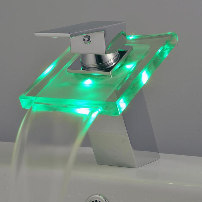 Freies Verschiffen neue Wasserfall 3 Farben LED Bad Becken Mischbatterie Waschbecken Glas Chrom Messing Deck Montiert Wasserhahn