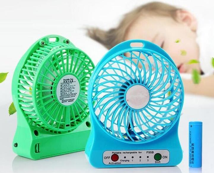 Creativo portatile Mini USB Fan SPORTS Ventilatori per bambini Ricarica 18650 Ventola di raffreddamento portatile alimentata a batteria Tavolo di raffreddamento Ventilatore regalo estivo