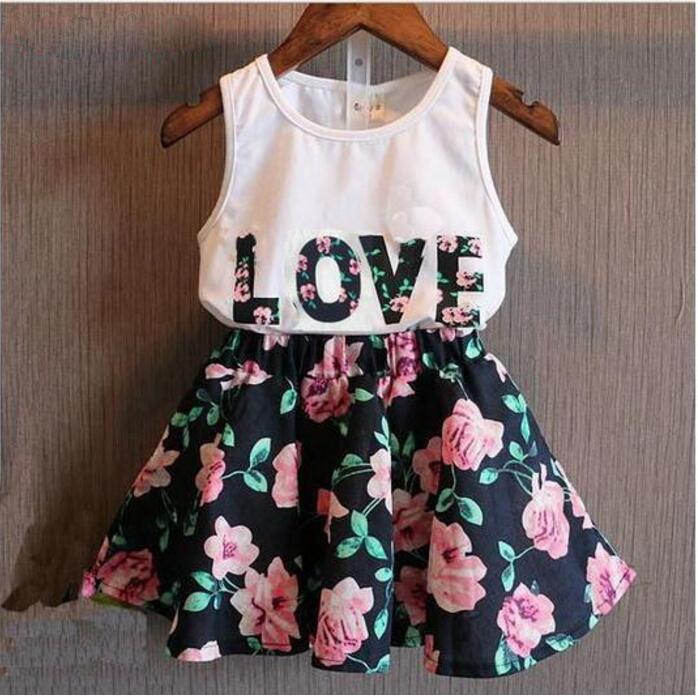 2018 nuovi bambini 2 pezzi abbigliamento estate ragazze senza maniche lettera amore fiore gilet gonna corta set abbigliamento per bambini vestito