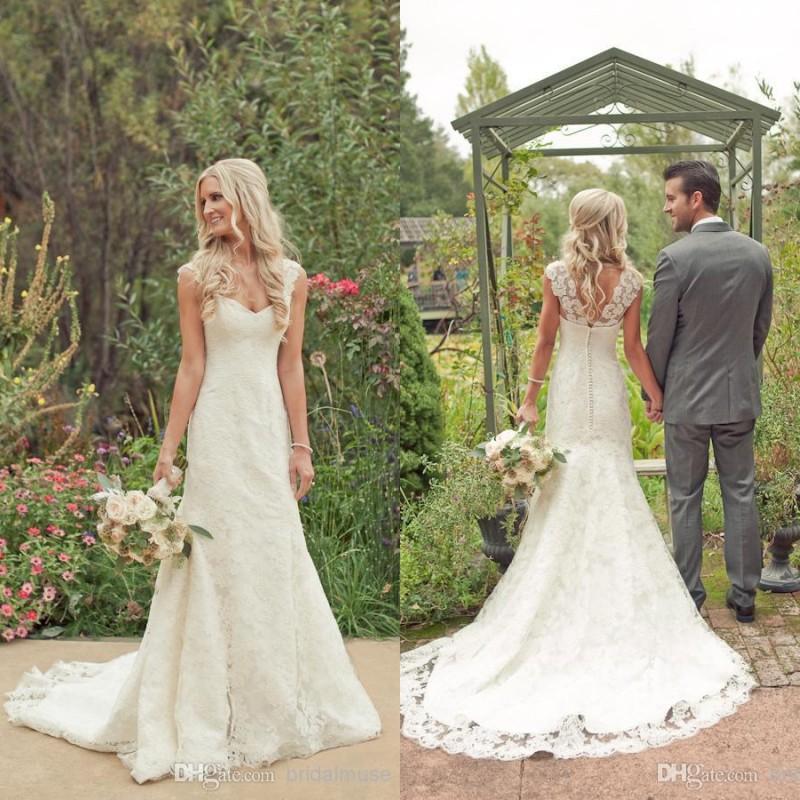 Vestidos de boda de playa de encaje completo Vintage 2016 con mangas de tapa Tren de la corte Bohemian Boho por encargo una línea más vestidos de boda de tamaño