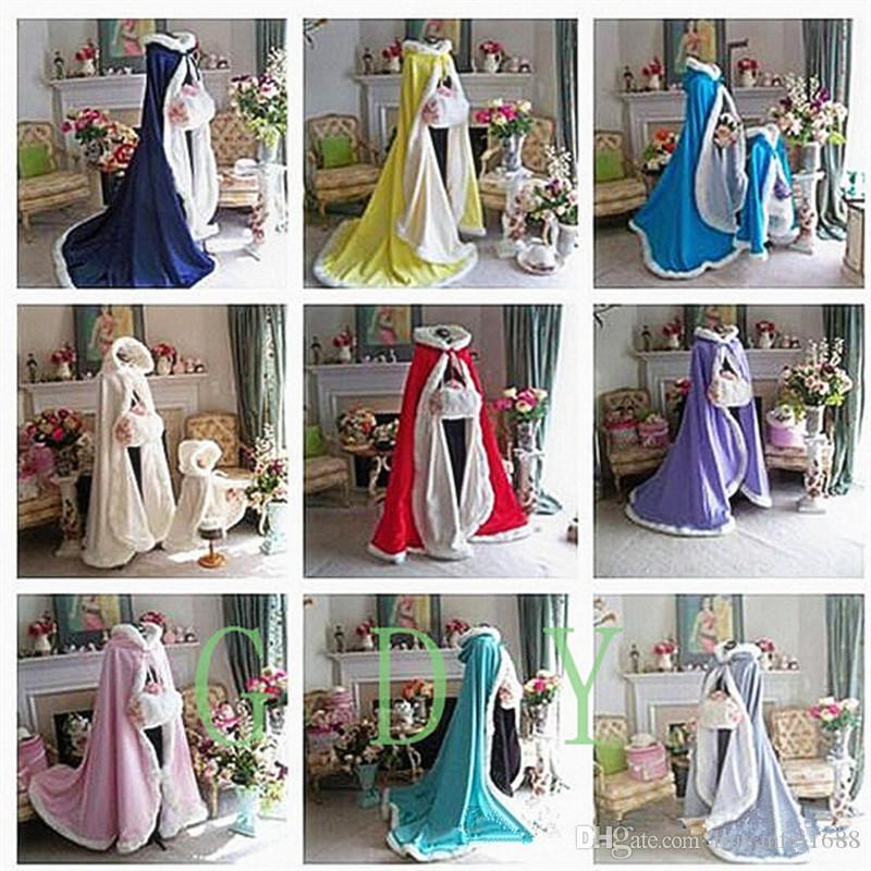 2017 Winter Bridal Cape Faux Fur Christmas Cloaks Jackets Hooded For Winter Wedding Bridal Wraps For Wedding Dresses Sweep Train