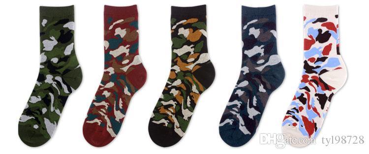 Yeni Moda Sıkıştırma Mutlu Çorap Erkekler Renkli Calcetines Hombre Kamuflaj Çorap Sanat Komik Hip Hop 3D Baskı Çorap Erkekler Ücre ...