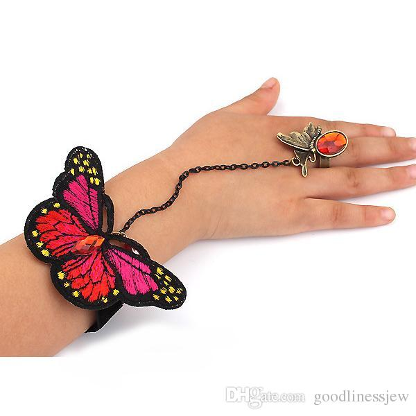 Bracciali Bangles per donne Retro Butterfly Lace Slave Chain Link Bangle mano Harness Butterfly Crystal Bracelet