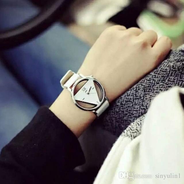 Triângulo Assista Vestido Mulheres oco Relógios Vintage Leather moda quartzo antiga retro de pulso Feminino Relógio Montre Femme Reloj Mujer