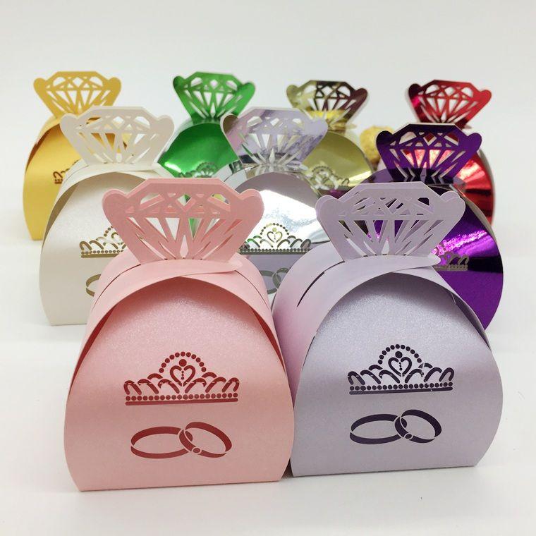100 pcs Découpé Au Laser Creux Diamants Couronne Anneau Boîte De Bonbons Chocolats Boîtes Pour Fête De Mariage Bébé Douche Faveur Cadeau