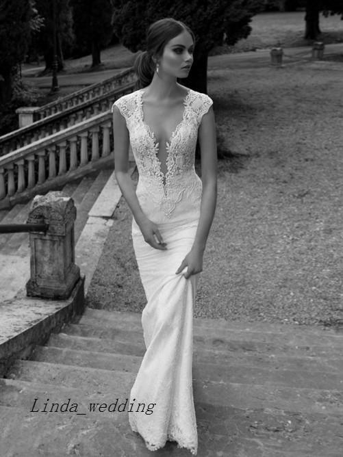 Envío gratis elegante hermosa marfil blanco vaina sexy columna con cuello en v apliques capilla tren satinado vestidos de novia vestidos de novia
