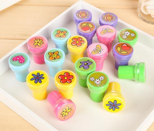 60 pcs/lot Cartoon Self-ink Stamps Kids Party Favors Supplies for Birthday Christmas Gift Boy Girl Goody Bag Pinata Fillers Fun Stationery