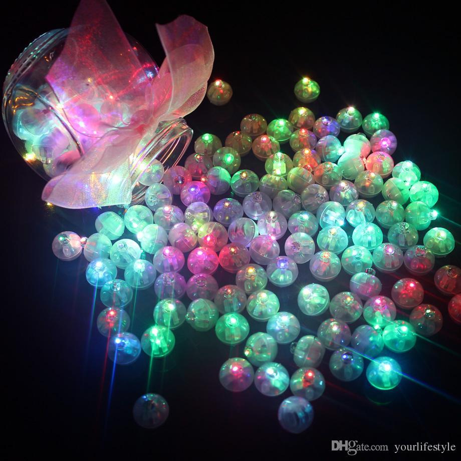 100 Pcs / lot Ronde Ball Led Balloon Lights Mini Flash Lampes pour Lantern Décoration De Fête De Mariage De Noël Blanc, Jaune