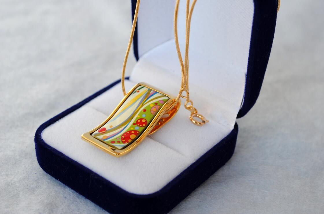 "Flower of Love series 18K gold-plated enamel necklaces for women ""S"" shape pendant necklaces designer women necklace"
