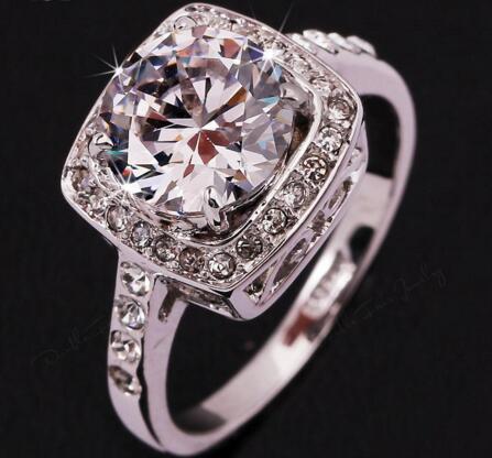 2016 은폐 된 큰 CZ 다이아몬드 결혼 반지 도매 선물을 % s 18K 백금 도금 된 악세사리 결정 보석