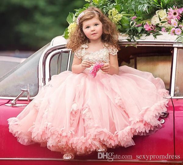 Lindo Rendas E Chiffon Meninas Pageant Vestidos 2016 Cap Manga Ruffles vestido de Baile Vestidos Da Menina de Flor Para O Casamento de Tule Applique Vestidos de Festa