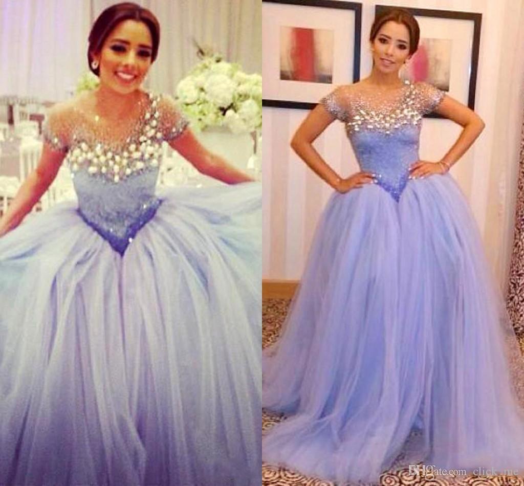 Lavender árabe mangas cortas Evneing vestidos con ilusión cristal escarpado con cuentas vestidos formales baile de noche vestido de cóctel fiesta de tul