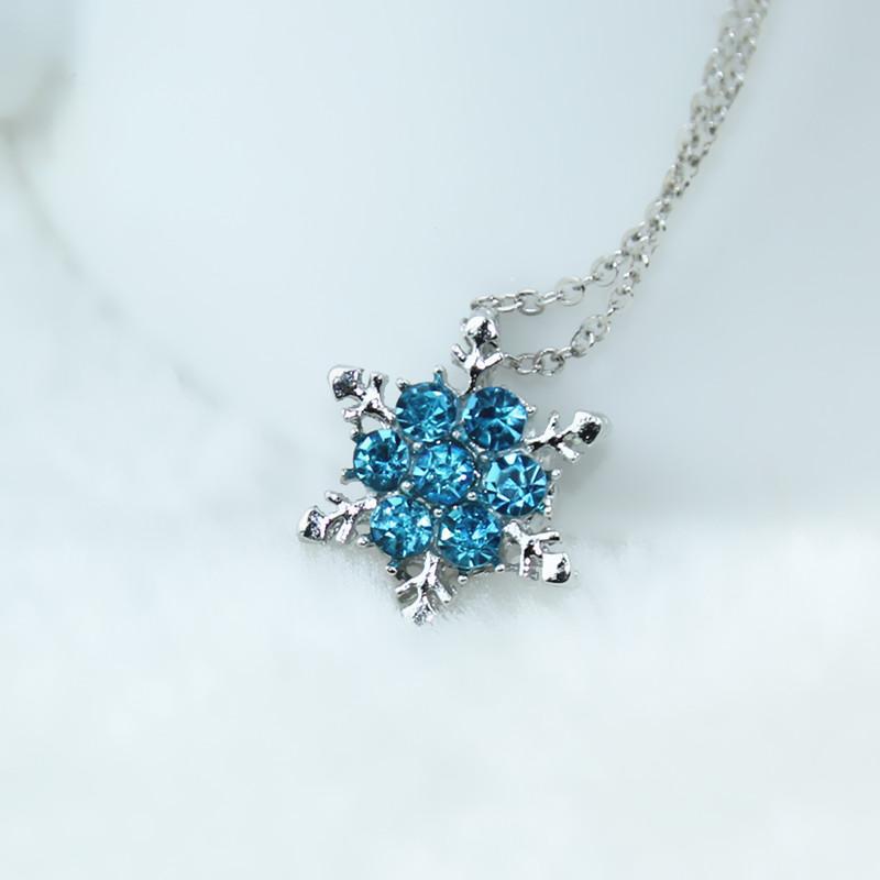 Venta al por mayor- Dama de la vendimia Cristal azul Copo de nieve Flor de zircón Plata Collares Colgantes Joyas para mujeres Envío gratis x24