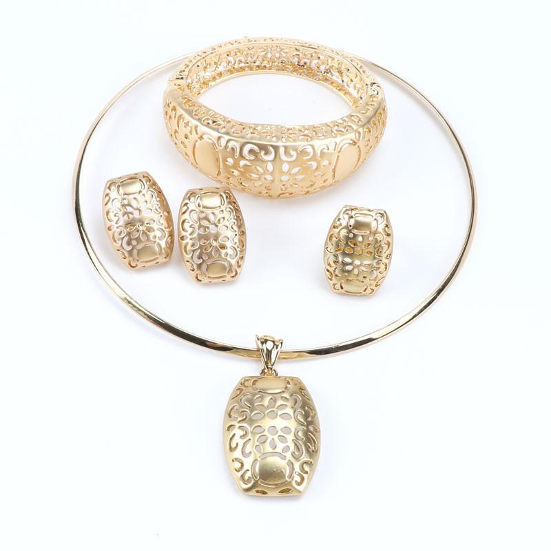 Trendy Gold Halskette mit Schmuck Exklusive Frauen Verkaufsaussage Hochzeit 18k heiße Sets für Ohrringe fivnj