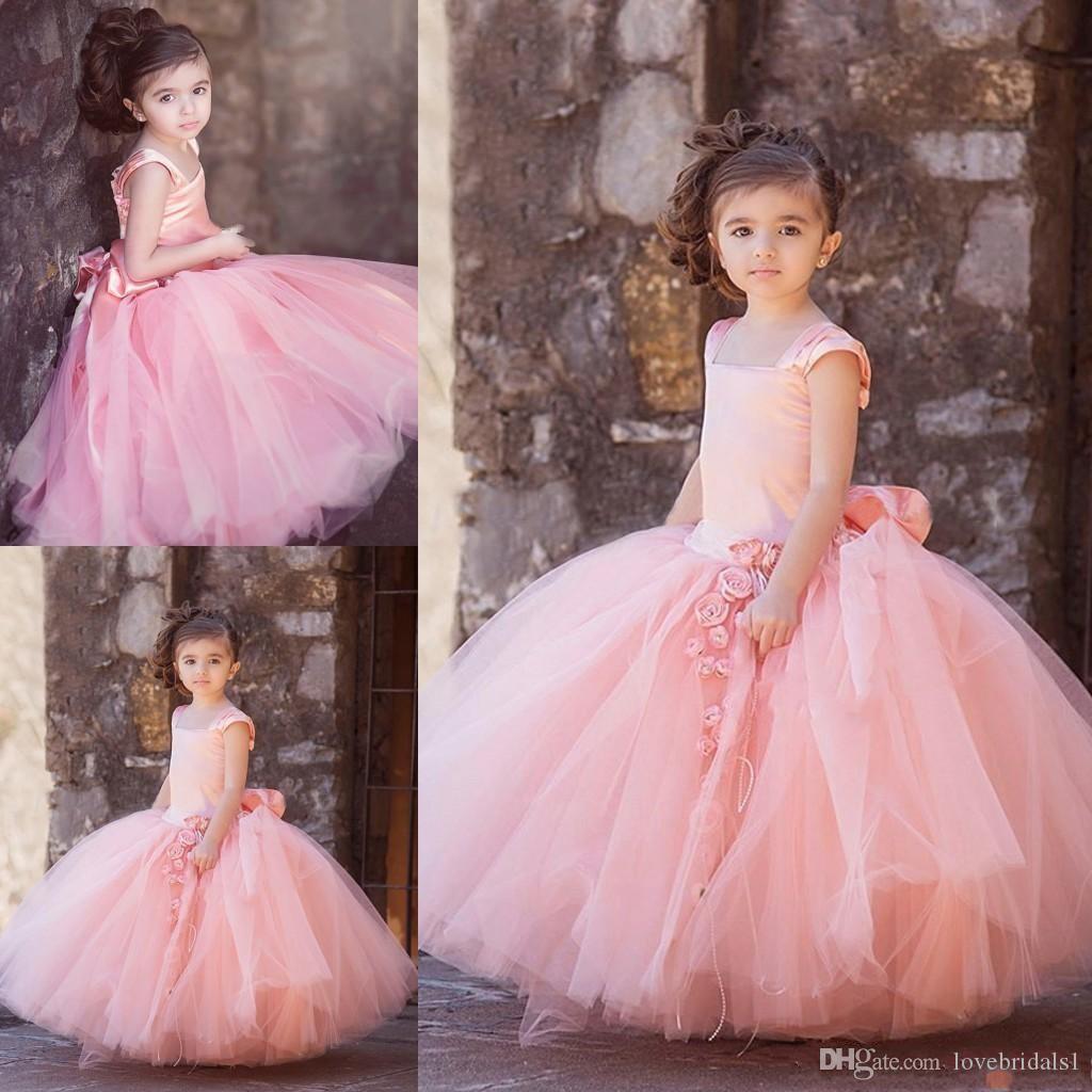 Vintage Blush Pink Tulle floor-lunghezza Abiti di sfera Flower Girl Abiti per la cerimonia nuziale Kid prima comunione Gown Piazza fatti a mano fiori Bow Sash