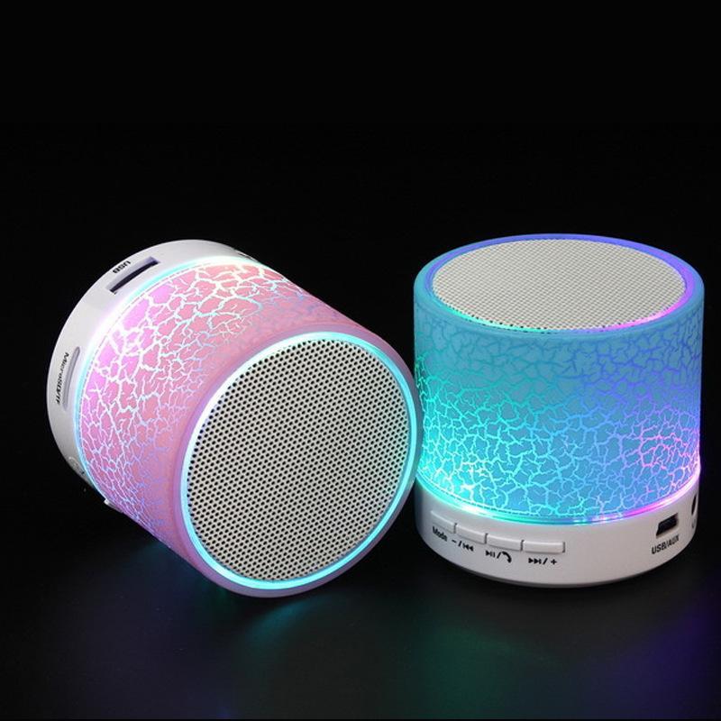 A9 스피커 다채로운 휴대용 LED 미니 무선 블루투스 스피커 음악 플레이어 서브 우퍼 스테레오 TF 카드 스마트 폰 소매 상자