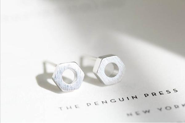 Boucles d'oreilles hexagonaux de mode modernes style mécanique vis bouchon en forme de bouchon de classe d'oreilles