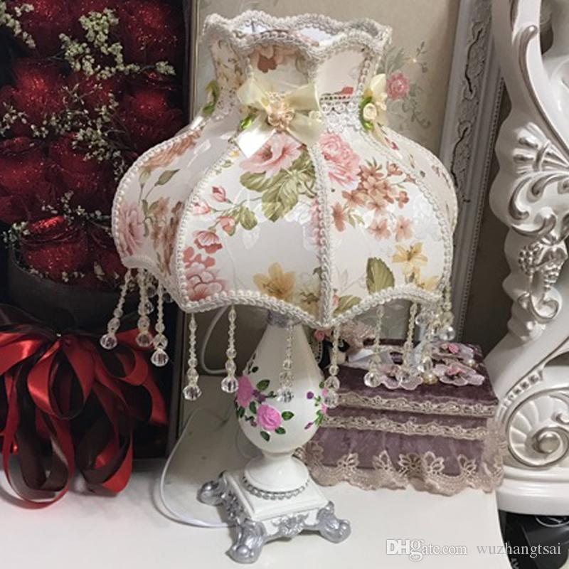 European Palace Princess girl gift table lamp light marriage wedding art decorative table light lamp for bedside living room