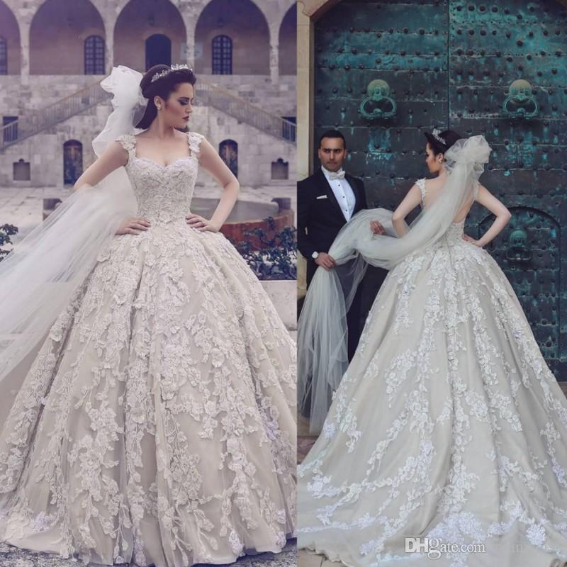 Старинные Кружева Бальное Платье Свадебные Платья Саудовская Аравия Полный Кружева Аппликация Спинки Церковь Свадебные Платья Скромный Округ Свадебное Платье