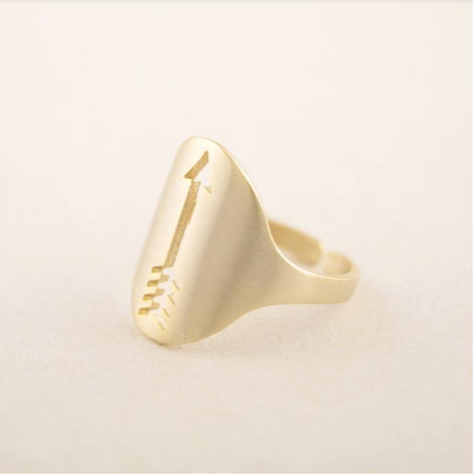 Vente de bijoux de mode pour femmes de luxe flèche vide bague de fiançailles doigt bague de mariage partie partie du meilleur cadeau de métal par