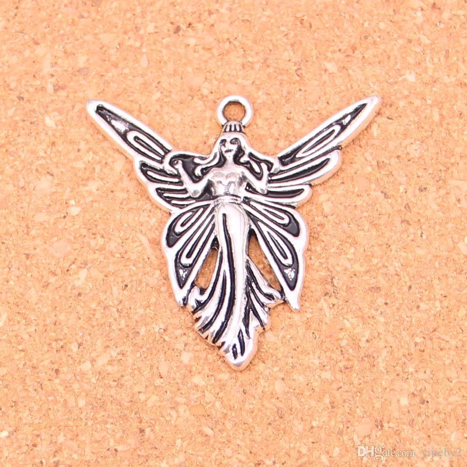 4 Colgantes de mariposa tono plata antigua A402
