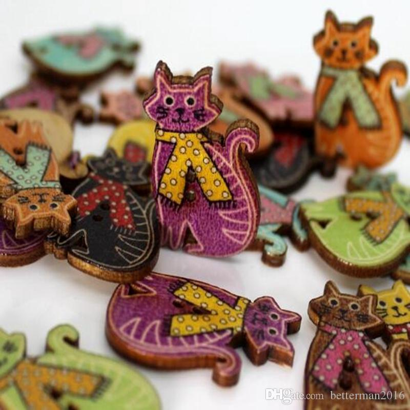 WB-21 wholesale 100pcs Mixcolor 색상 고양이 Wodden 버튼을 그린 두 구멍 나무 단추 장식 단추 봉 제 공예품 의류 액세서리