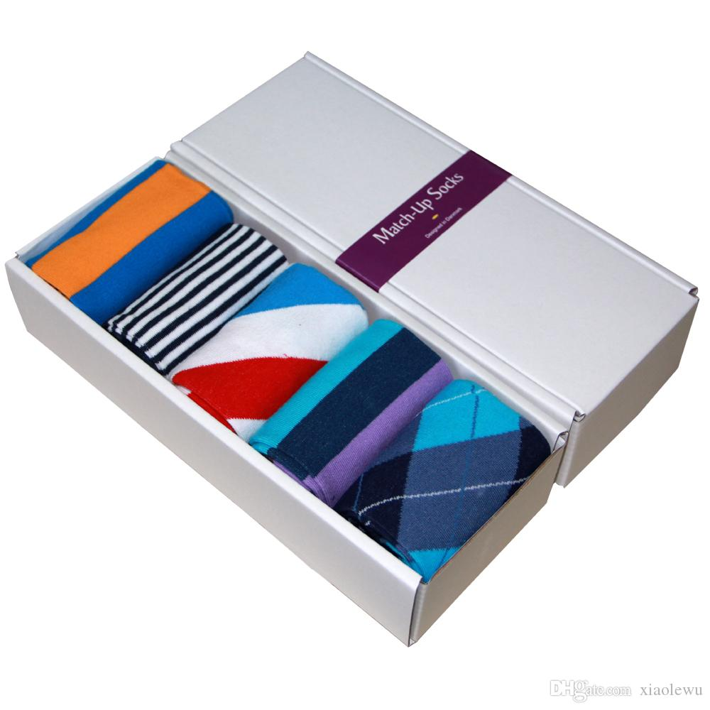 Ücretsiz Kargo penye pamuklu marka erkek çorap, renkli elbise çorap (5 çift / grup) hiçbir hediye kutusu