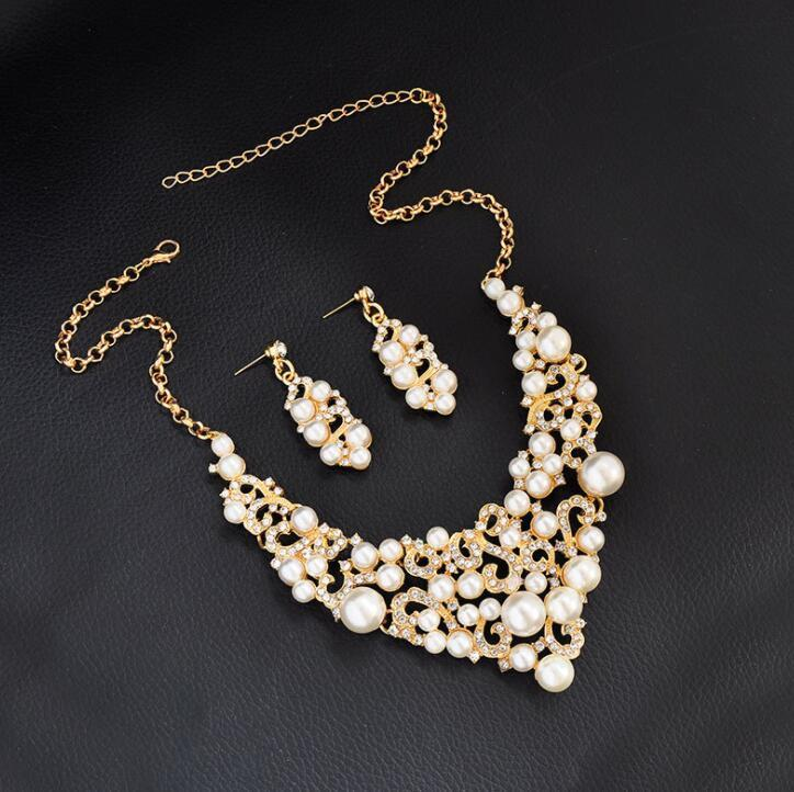 98bb39329e125 Women Luxury Pattern Pearl Bridal Jewelry Set Gold Plated Pendant Necklace  And Dangle Earrings Jewelry Set Wedding Bridal Bijoux Modern Jewelry Red ...