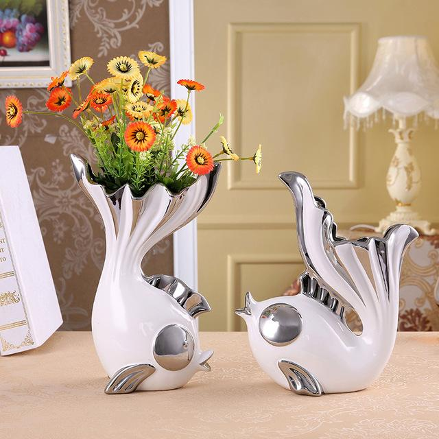 Romantic Ceramics Kissing Fish Figurines Vases Porcelain Gift and Craft Decoration Accessories for Valentine's Day and Wedding