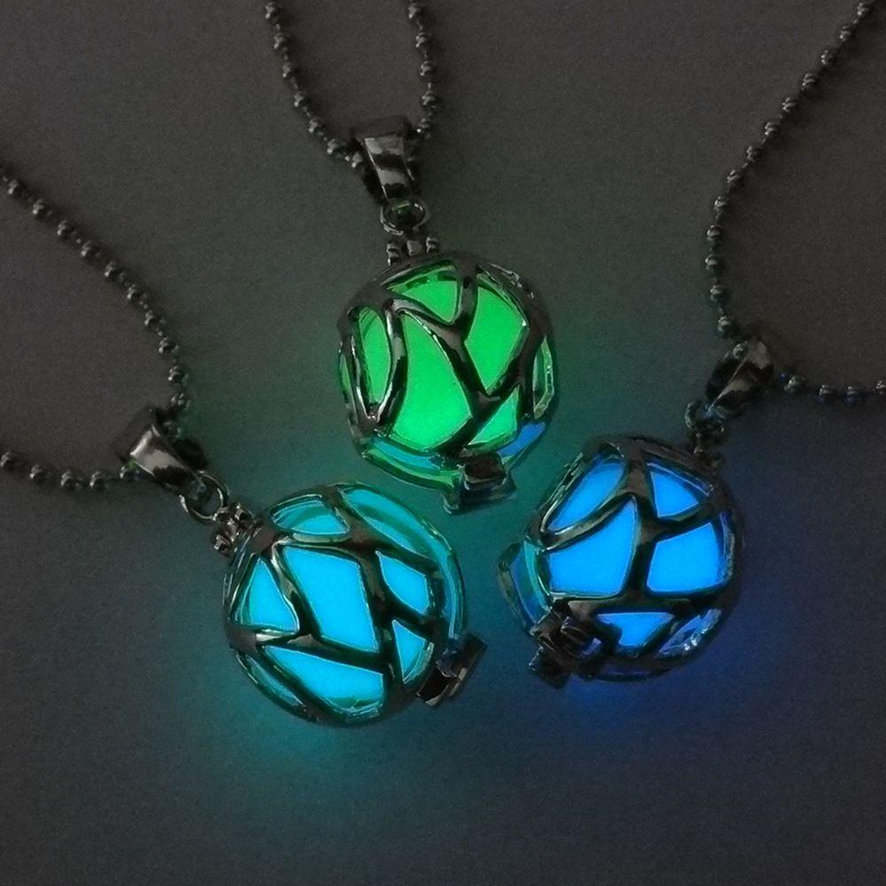 Il peut ouvrir creux pendentif lumineux en forme de football collier lumineux collier de perles lumineuses pour les hommes et les femmes