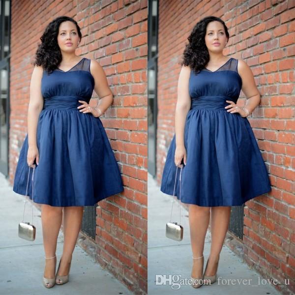 Alta qualità a buon mercato Plus Size Abito da ballo vintage Blu scuro Scollo a V senza maniche Lunghezza al ginocchio Abiti da festa corti Vita arricciata