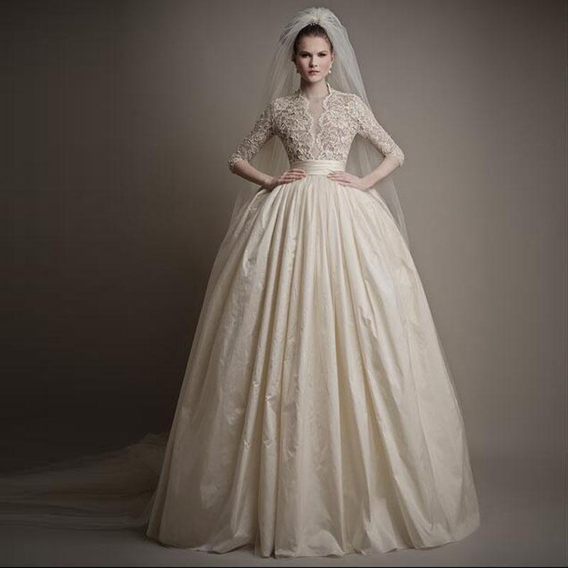 최신 1/2 소매 유럽 스타일 공 가운 웨딩 드레스 레이스 웨딩 럭셔리 드레스 매력적인 버튼 뒤로 디자이너 드레스 웨딩