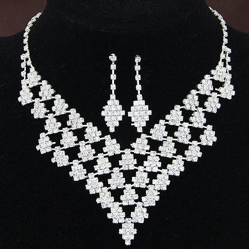 Monili del regalo di fine estate da sposa set di cristallo geometriche Rhombus argento, accessori Girocolli Matrimonio Collane goccia ciondola gli orecchini per le donne