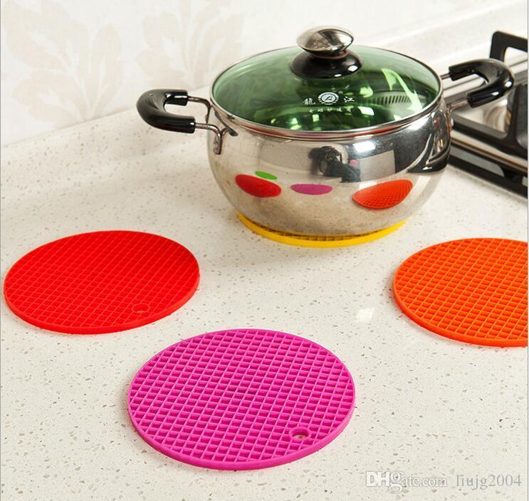 Doce cor Durável Silicone Rodada Anti-Slip Mat Resistente Ao Calor Talheres Almofada Coaster 4 Cores Silicone Placemat