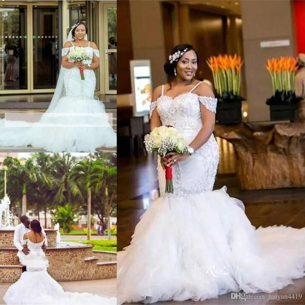 2017 아프리카 플러스 사이즈 웨딩 드레스 스파게티 스트랩 레이스 골동품 골치 아픈 건 캡 슬리브 인어 웨딩 드레스 계층화 된 얇은 명주 그물 가운