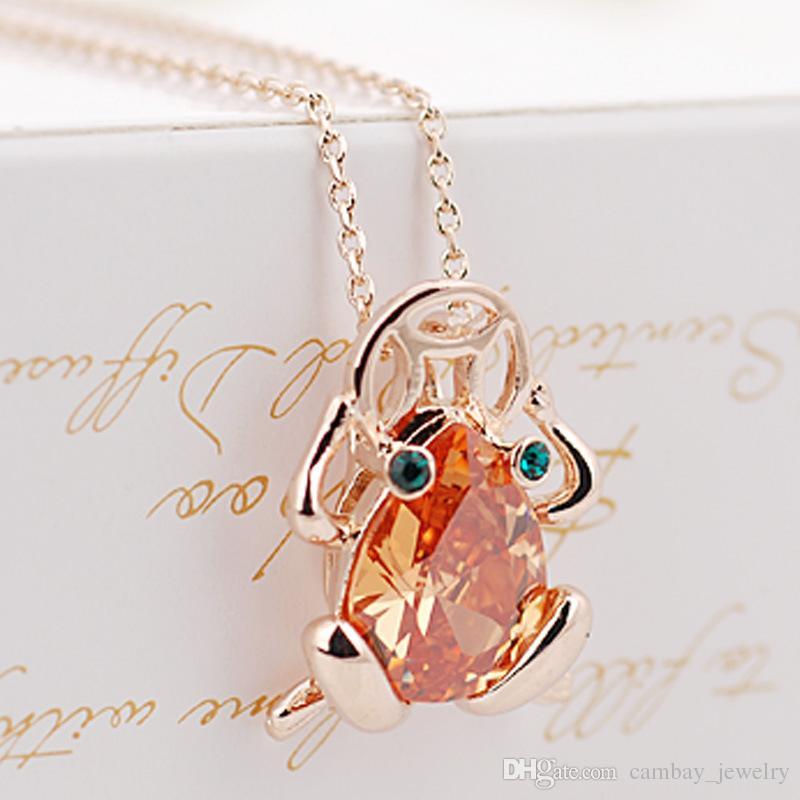 HOT 3 Colores Opciones 18 K Chapado En Oro Animal Lucky Toad Colgante de Cristal Collares de Las Mujeres Regalo de La Joyería Del Partido accesorio