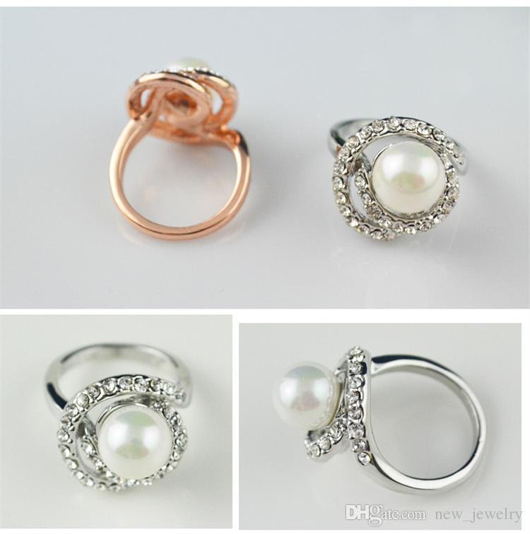 18K White Vergulde Royal Design Finger Ring Oostenrijkse Crystal Pearl Rhinestone Green Ring Luxe Diamond Lady Trouwringen
