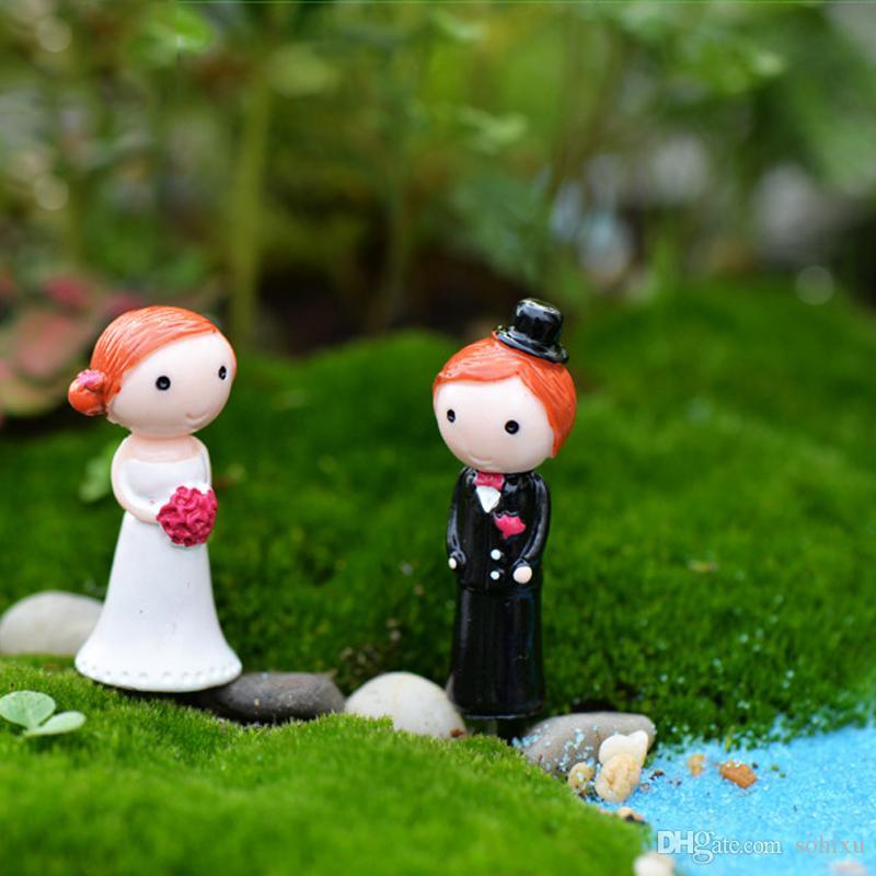 2 stücke Hochzeit Dekoration Bräute Bräutigam Fee Garten Terrarium Miniaturen Bonsai Kunst Handwerk Gnome Jardim Puppenhaus Wohnaccessoires