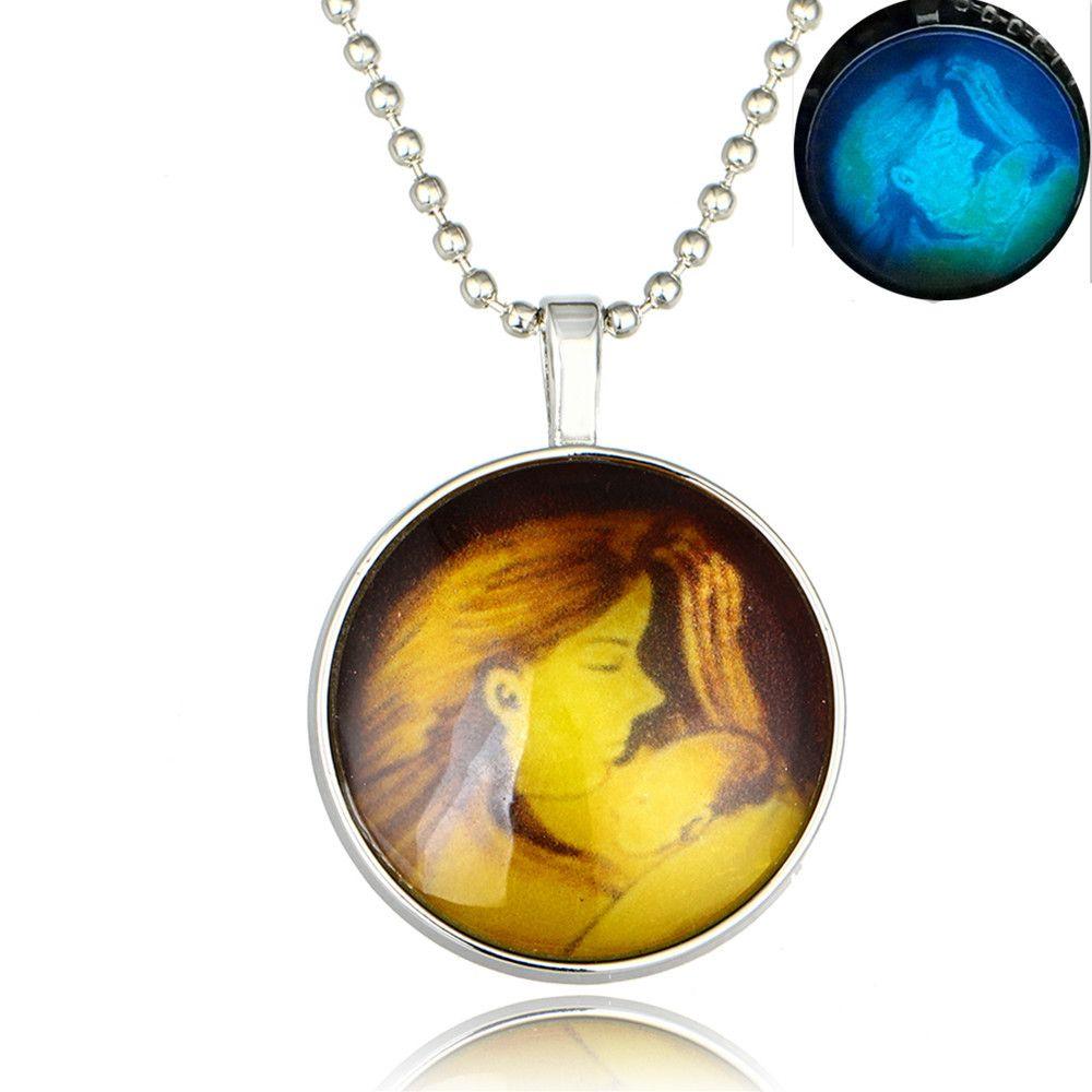 Hot mère tenant un enfant collier lumineux bijoux maman enfant personnage de bande dessinée pendentif en pierres précieuses lumineux collier