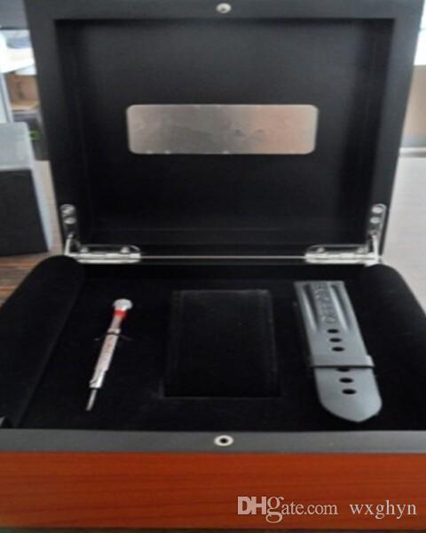 Détail / En Gros Top De Luxe Meilleur Stockage De Cadeau Outter Jaune En Bois Velours Intérieur En Cuir Oreiller Watch Box Taille 17.4x17.4x9.5cm Marque LOGO