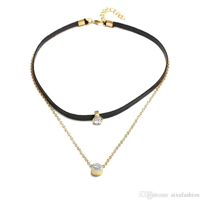 Collana girocollo in oro con ciondoli girocollo in zirconi d'oro per le donne
