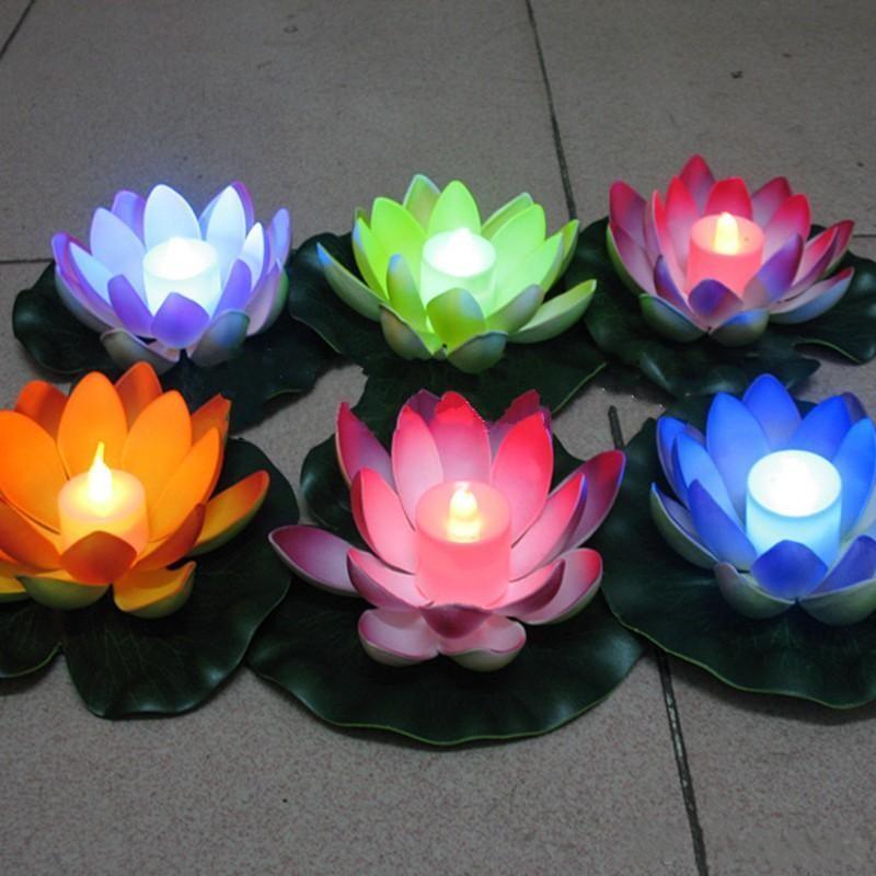 Livraison gratuite artificielle LED flottante Lotus fleur bougie lampe avec des lumières changées colorées pour la décoration de fête de mariage fournitures