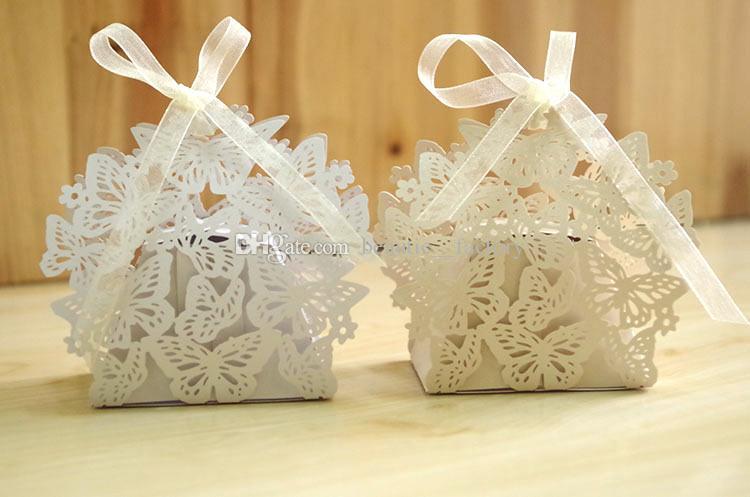 100pcs Hollow Out Butterfly Candy Box Festa di nozze Configura regalo di cioccolato regalo bianco regalo scatole unico e bellissimo design nuovo