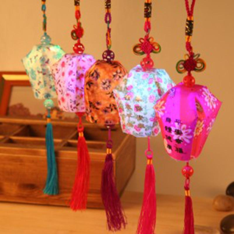 Nouvelle lanterne / lanternes colorées chaudes de la Chine LED pour de petits accessoires de décorations festives de veilleuse