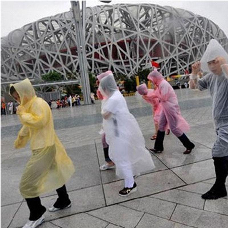 DHL libero di una volta Raincoat modo caldo monouso PE Impermeabili Poncho impermeabili Viaggi cappotto di pioggia Pioggia di usura Viaggi cappotto di pioggia 2000Pcs