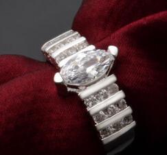 Diamant Ehering Silber Farbe Verlobungsring Modeschmuck Neues Design Für Frauen Kristall Strass Geschenk