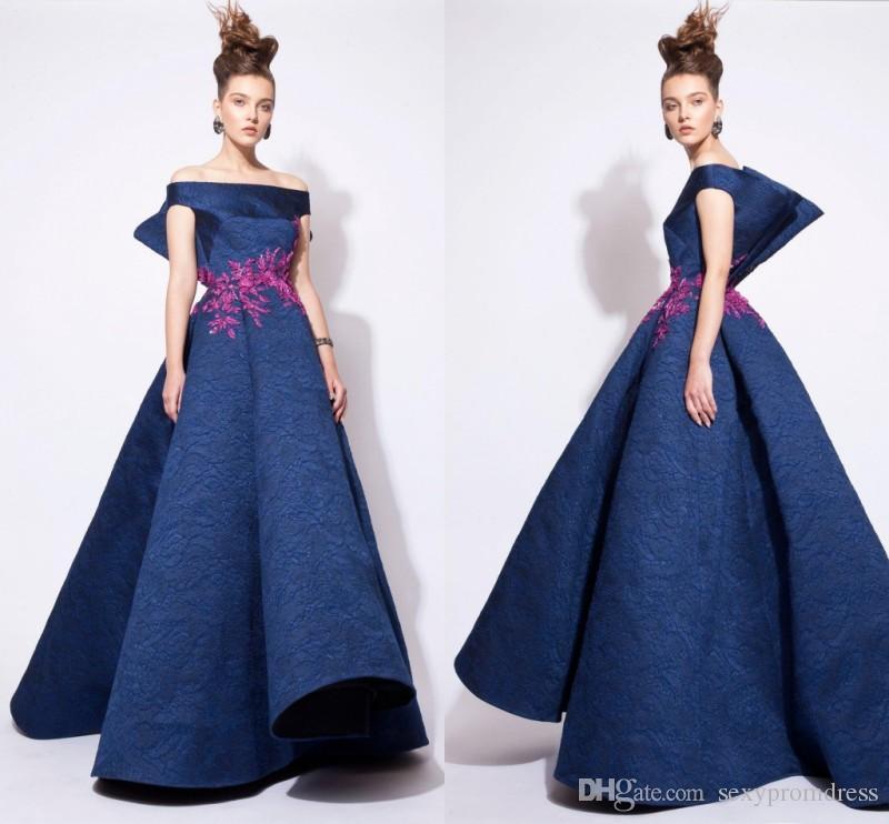Spitze Abendkleider 2017 Schulterfrei Stickerei Azzi Und Osta Ballkleid Abendkleider Eine Linie Saudi-Arabien Promi Abendkleider